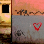 grafitti-man-smoking