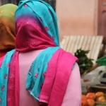 web-cremona-women-at-market